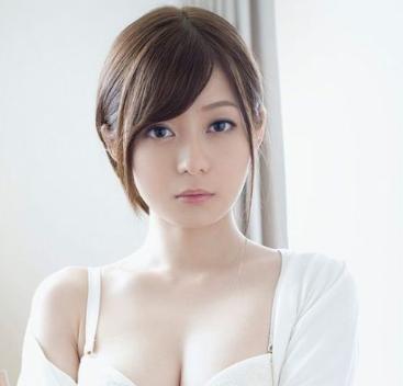 「石原莉奈」プロフィールとおすすめエロ動画5選[AV女優解説]